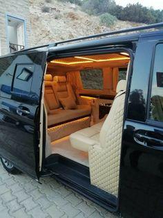 Un point à ne pas négliger lors du choix du Minibus au Maroc et plus précisément la région d'Agadir, les conditions météo. En effet, entre la chaleur (routes / pistes), le vent surtout sur la région d'Essaouira réputée pour ses spots de kitesurf ou encore les tempêtes de sables dans le désert marocain, pour garantir une meilleure tenue de route un bon minibus est conseillé. Luxury Van, Luxury Life, Luxury Living, Jets Privés De Luxe, Minibus, Luxury Motorhomes, Luxury Private Jets, Lux Cars, Cool Vans