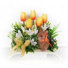 Veľká noc je za rohom a s ňou prichádza aj jarné obdobie. Vyzdobte si svoju domácnosť krásnymi dekoráciami z našej ponuky. Stačí si vybrať a nakupovať. Diy And Crafts, Easter, Display, Table Decorations, Floral, Home Decor, Flower Arrangements, Needlepoint, Floor Space