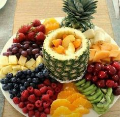 This looks sooo good I have to prepare a fruit platter JUST LIKE THIS at least once this summer! it's all in the presentation! This looks sooo good I have to prepare a fruit platter JUST LIKE THIS at least once this summer! it's all in the presentation! Fruit Recipes, Appetizer Recipes, Dessert Recipes, Healthy Snacks, Healthy Recipes, Detox Recipes, Fruit Snacks, Fun Fruit, Fruit Appetizers