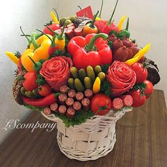 Salami flowers:) and bread sticks for your man. Salami bouquet also = a beer lover's dream gift. Edible Centerpieces, Edible Bouquets, Homemade Gifts, Diy Gifts, Food Bouquet, Man Bouquet, Vegetable Bouquet, Gifts For Beer Lovers, Festa Party