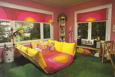Trendy Home Decored Bedroom Yellow 70s Bedroom, Retro Bedrooms, Trendy Bedroom, Modern Bedroom, Girls Bedroom, Bedroom Yellow, Hippy Bedroom, Retro Living Rooms, Small Bedrooms
