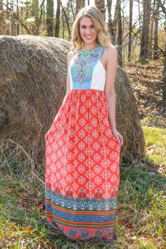 Maxi love! This maxi dress is perfect for Spring or Summer! The vibrant colors are everything! You need it for your next vacation! Are you in love? We are!