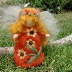 Wool Angel  Sunflower Garden Fairy   Needle felted wool von Nushkie, $38,00