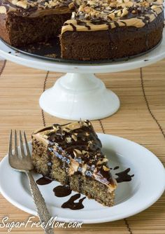This low carb gluten free cake looks absolutely sinful, but it's not. Totally sugar and grain free!