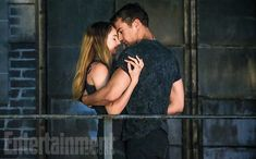 Tris (Shailene Woodley) & Tobias (Theo James) EW Releases New Divergent Stills! - DIVERGENT Fansite