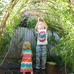 Building a Willow Den - outdoor fun for kids