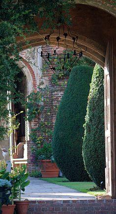 ✿ Sissinghurst Castle Gardens