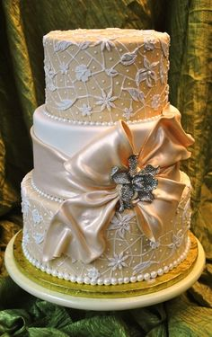 28 best Outrageous Wedding Cakes images on Pinterest   Birthday     Outrageous wedding cakes   Google Search