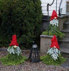 best diy outdoor christmas decoration ideas for your home 10 ~ my. Christmas Yard Decorations, Christmas Porch, Rustic Christmas, Christmas Time, Christmas Wreaths, Christmas Ornaments, Christmas Lights, Christmas Knomes, 242