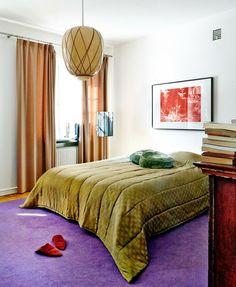 teppich kaufen schlafzimmer gestalten lila grüne bettwäsche beige gardinen