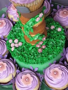 Love this for the cake - Tangled or Rapunzel party theme