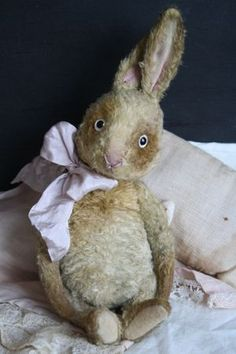 Hug Me Again collectible hare by V. Galli.