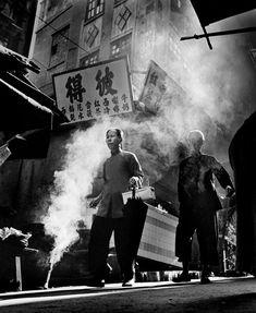 photos by Ho Fan - Fan Ho - fotografiethemen Fan Ho Photography, Street Photography, Portrait Photography, Black White Photos, Black And White Photography, Shanghai, San Jose, Photojournalism, Great Photos