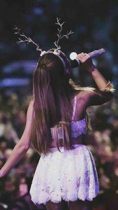 Ariana Grande reindeer antlers