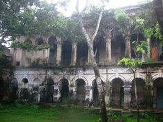 """Many if not most of the old Zamindar palaces now look like this.  Some have been renovated as tourist attractions.  """"Teota Zamindar Palace (তেওতা জমিদার বাড়ী) is located at the Shibalaya (শিবালায়া ) Upazila of Manikganj (মানিকগঞ্জ)district. The palace is locally known as Teota Rajbari (তেওতা রাজবাড়ি) and Teota Jomidar bari(তেওতা জমিদার বাড়ী). This palace is possibly over 300 years of old."""" Bari, World History, Ancestry, Mount Rushmore, Palace, Mountains, Genealogy, Plants, Travel"""