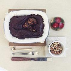 . goooooooooood afternoon tea time :-D)))  .  #teatime #baking #goodafternoon #午茶 #下午茶 #cake #ケーキ #strawberry_chocolate_cake #yummy  #homemade  #foodie  #foodphoto  #foodstagram  #top_food_of_instagram  #onthetable #2eat2gether  #デザート #ケーキ #S_S_iloveBreakfast #S_S_iloveBaking #蛋糕 #烘培 #焦糖堅果洋梨可可蛋糕 #dessert