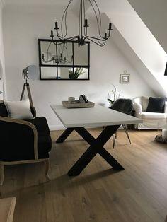 Homestory, zu Gast bei Anna und Sascha Office Desk, Anna, Furniture, Home Decor, Wall Design, Homemade Home Decor, Desk Office, Desk, Home Furnishings