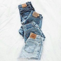 Flat lay | Shorts | Jeans | Levis | Perfect | Summer | More on Fashionchick.nl