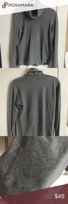 Lululemon turtle neck sweatshirt Brand new perfect condition never worn, just a bit wrinkled from hanging in my closet, size 6 I believe lululemon athletica Tops Tees - Long Sleeve