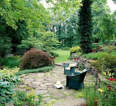 Dry-Laid Flagstone Durable and easy to maintain, flagstone is available in a broad range of types and colors that complement a variety of architectural styles. It is especially well-suited to a rustic, hand-hewn look. Handpick stones from the supplier to Outdoor Fire, Outdoor Living, Outdoor Decor, Outdoor Rooms, Outdoor Ideas, Stone Patio Designs, Fire Pit Decor, Fire Pit Lighting, Rectangular Fire Pit