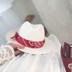 Bellerose Hat   Authentique Panama   100% paille Panama   Fabriqué en Italie   josetteetbernard.com