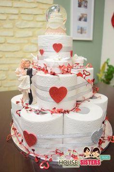 HouseSisters DIY Hochzeitstorte als Geschenk - Hochzeitsgeschenk Torte aus Klopapier Geldgeschenk Klopapiertorte - kreativ und eindrucksvoll