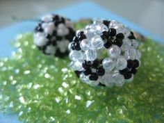 My Daily Bead: How to make a Soccer (Football) with Beads