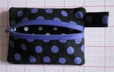Coin purse tutorial. Perfect to throw my bank card and id in and attach to my keys when I'm out shopping.