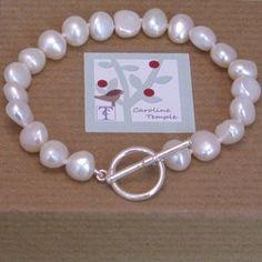 White Pearl Bracelet Knotted Bracelet, Bracelet Knots, Pearl Bracelet, Beaded Bracelets, Temple Jewellery, Pearl White, Precious Metals, Baroque, Jewelery