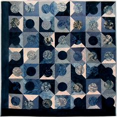 Blue Moon by Mai-Britt Axelsen.  Contemporary Quilt (UK).  2011 Festival of Quilts.