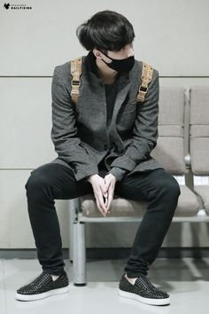 141214- EXO Lay (Zhang Yixing); Shenzhen Airport to Incheon Airport #exom #style