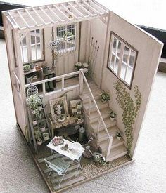 DIY doll house by using a shoebox - There are different methods of making doll houses using different material. The easiest is to make a DIY doll house by using shoebox. These doll house. Vitrine Miniature, Miniature Rooms, Miniature Crafts, Miniature Houses, Miniature Furniture, Doll Furniture, Dollhouse Furniture, Diy Dollhouse, Dollhouse Miniatures
