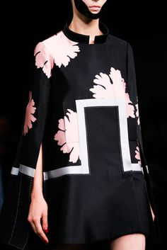 Spring 2015 Ready-to-Wear - Alexander McQueen