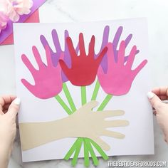 Handprint Flower Bouquet - such a great Mother's Day craft for kids! Make this easy and beautiful handprint flower bouquet for Mother's Day! You only need paper and glue to make this easy craft. Toddler Arts And Crafts, Mothers Day Crafts For Kids, Spring Crafts For Kids, Mothers Day Cards, Diy For Kids, Craft Work For Kids, Summer Crafts, Preschool Crafts, Easter Crafts