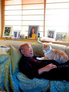 Os animais exercem um poder sobre os seres humanos que costumamos subestimar. Porém, a fotógrafa Akiko DuPont, que mora em Tóquio, no Japão, decidiu registrar como a companhia de um gatinho foi capaz de transformar a vida de seu avô, de 94 anos.  Akiko escreveu em uma publicação para o site Bored Pandaque o avô Jiji costumava ir todos o...