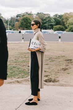 The Best Street Style From Paris Fashion Week. The Best Street Style From Paris Fashion Week. Fashion Mode, Minimal Fashion, Look Fashion, Trendy Fashion, Winter Fashion, Fashion Trends, Womens Fashion, Fashion Stores, Net Fashion