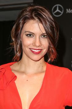 Lauren Cohan Photos - Actress Lauren Cohan arrives during Mercedes-Benz arrivals at The Art of Elysium's annual HEAVEN gala on January 2014 in Los Angeles, California. - Mercedes-Benz Arrivals At The Art Of Elysium's Annual HEAVEN Gala Lauren Cohan, Beautiful Celebrities, Beautiful Actresses, The Walking Dead, Maggie Greene, Lauren Graham, Photos Du, Hollywood Actresses, Celebrity Crush