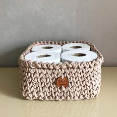 How to organize the house: 80 tips to keep the house always tidy - Home Cleaning Crochet Home, Crochet Gifts, Knit Crochet, Pine Cone Decorations, Diwali Decorations, Glamour Decor, Crochet Basket Pattern, Personal Organizer, Diy Organization