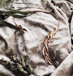 Olive leaf jewellery, olive leaf collar open necklace, rose gold necklace, leaf necklace, collier, opera singer, event, fancy party, v-neck dress, gift for her, valuli necklace, olive collar necklace Leaf Necklace, Collar Necklace, Gold Necklace, Leaf Jewelry, Jewellery, Anniversary Present, Opera Singers, Fancy Party, V Neck Dress