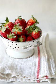 strawberries, fresh strawberries in colander Hotel Interiors, Food Photo, I Foods, Strawberries, Strawberry Fruit, Strawberry, Food Photography, Strawberry Plant
