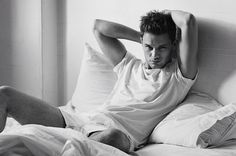 English actor Jeremy Irvine photographed by Ben Weller for the latest issue of Hercules Universal. Styling by David Vivirido. Jeremy Irvine, Day Lewis, Colorado, Francisco Lachowski, British Actors, Attractive Men, Perfect Man, Sensual, Male Models