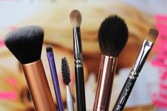 The Beauty Brushes You Need | Vivianna Does Makeup -