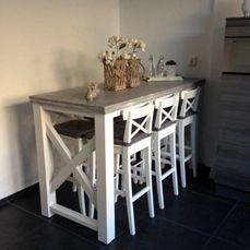 Bartafel met kruis in het onderstel. Gemaakt van steigerhout door Tabletime houten meubelen! Maatwerk