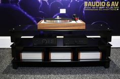 We are on the countdown!  Only two weeks left until we head off to the Audio & AV Show Birmingham (16th & 17th September) This is one of the gorgeous system set ups we will be taking with us. Will we see you there?  www.henleyaudio.co.uk/products/The-Classic www.henleydesigns.co.uk/DS2-Launch