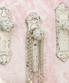 Doorknob Wall Hook Set.....love this idea!