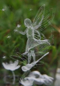 ♥ The garden fairies come at dawn, bless the flowers, then they're gone. ♥