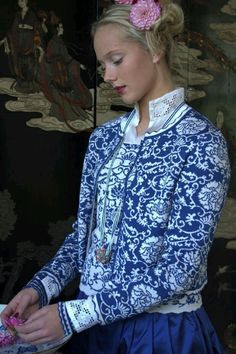 Zreana's designs are inspired by the rich Norwegian folk costume tradition, but always with a modern twist and fresh take (photo courtesy of Oleana) Knitting Projects, Knitting Patterns, Knitting Designs, Norwegian Knitting, Fair Isles, Poncho, Fair Isle Knitting, Fashion Mode, Folk Costume