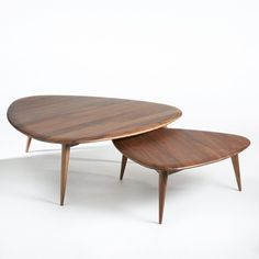 Salontafel in massief notenhout théoleine, groot model notenhout Am. Retro Coffee Tables, Large Coffee Tables, Walnut Coffee Table, Walnut Table, Coffe Table, Living Furniture, Home Decor Furniture, Rustic Furniture, Table Furniture