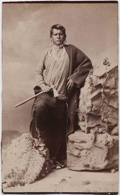 Quyulange (aka Eagle Plume, aka Eagle Headdress), a Kaw man. No additional information. Native American Print, Native American Regalia, Native American Photos, Native American History, American Art, Hanoi, Cherokee Symbols, Native Indian, First Nations