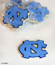 Don't forget to cheer on your favorite team (disclaimer: I do not root for NC) Birthday Party Treats, Birthday Cookies, Birthday Parties, 2nd Birthday, Order Cookies, Unc Chapel Hill, High School Graduation Gifts, I Am Baker, Cookie Favors